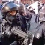 Policie dnes tvrdě zasáhla proti demonstraci v Praze