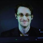 DIE WELT: Edward Snowden vydává memoáry. Vysvětluje, proč vyzradil tajné informace