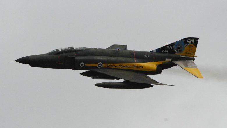 Stíhací letoun řeckých vzdušných sil; Foto: Matt Morgan