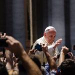 KOMENTÁŘ: Poslední kroky papeže Františka vyvolávají rozpaky