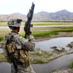 WP: Rozhovory USA s Tálibánem připomínají kapitulaci ve Vietnamu