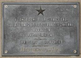 Pamětní deska Jaroslavu Honzátkovi; Foto: Facebook
