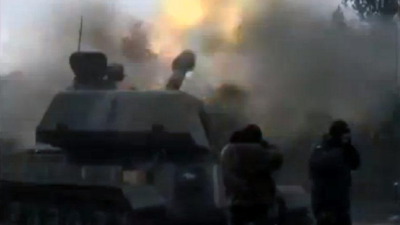 Ukrajinské samohybné dělostřelectvo v Donbasu; Repro: Youtube-CC-BY