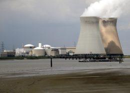 Belgická jaderná elektrárna Doel; Foto: Torsade des Pointes / Wikimedia Commons