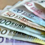 POKRYTECTVÍ: Ukrajinský poslanec chtěl v Praze platit falešnými eury. Byl propuštěn