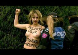 VIDEO: Aktivistky hnutí Femen byly zkopány davem ve Španělsku