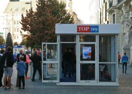 Předvolební stánek TOP09; Foto: Martin Strachoň / Wikimedia Commons
