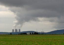 Jaderná elektrárna Mochovce; Foto: Pe-Jo / Wikimedia Commons