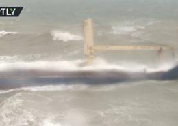 VIDEO: Ruská posádka nákladní lodi byla zachráněna po ztroskotání u Turecka