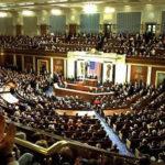 USA: Kongresmani navrhli, aby byla Trumpovi zakázána vojenská operace proti Íránu
