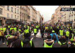 VIDEO: Ve Francii pokračují protesty žlutých vest