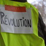 BEZPRÁVÍ: Za odpor proti Macronovi tvrdé postihy – 7500 Žlutých vest skončilo ve vazbě