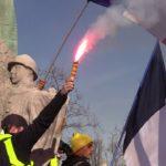 VIDEO: Svět vzdává hold Francouzům. Již po čtrnácté protestují proti nenáviděnému prezidentovi.