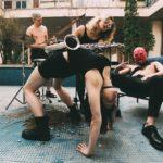 SKANDÁL: Členka Pussy Riot byla v Barceloně vyvedena z letadla