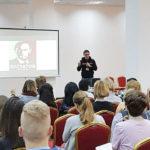 DIVERZE: Americká neziskovka, která svrhává režimy, si do hledáčku vzala Česko