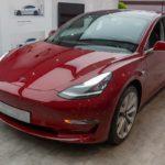 AKCIOVÁ BUBLINA: Automobilka Tesla je v zisku jen díky prodeji emisních kreditů
