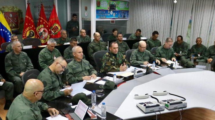 Zasedání velení venezuelské armády; Foto: Twitterový účet venezuelské armády