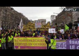 ŽIVĚ/VIDEO: Prezident Macron chce zachraňovat Evropu, přitom nedokáže naslouchat vlastním občanům