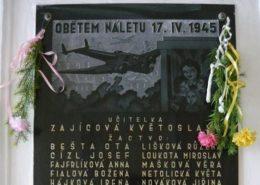 Pamětní deska obětí britského náletu na Plzeň; Foto: blovice.info