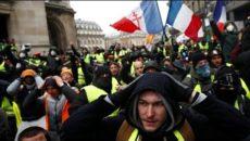 ŽIVĚ/VIDEO: Žluté vesty protestují ve Francii po šestadvacáté