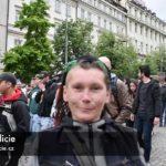 VIDEO: V průvodu za legalizaci drog nechyběli Bartoš a Hřib. Policie rozdala desítky pokut
