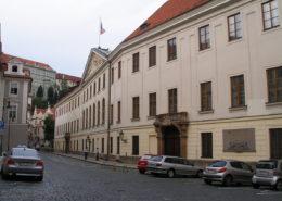 Budova Poslanecké sněmovny Parlamentu České republiky ve Sněmovní ulici v Praze; Foto: Jan Polák / Wikimedia Commons