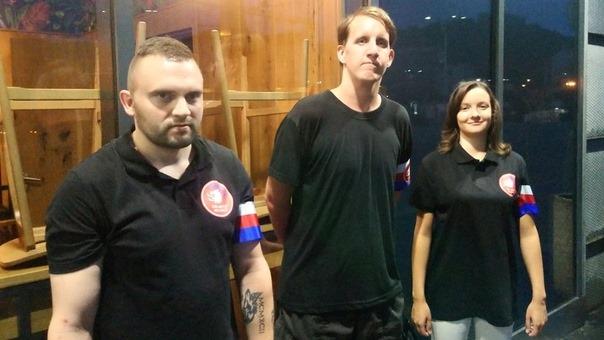 Hlídky Dělnické mládeže (HDM) v ulicích Prahy; Foto: Facebookový profil Dělnické mládeže