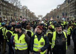 ŽIVĚ/VIDEO: Ve Francii protestují Žluté vesty již po 30. víkend v řadě
