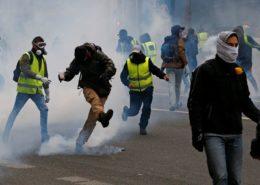 ŽIVĚ/VIDEO: Žluté vesty nevzdávají svůj heroický boj a protestují proti Macronovi již 33.víkend v řadě
