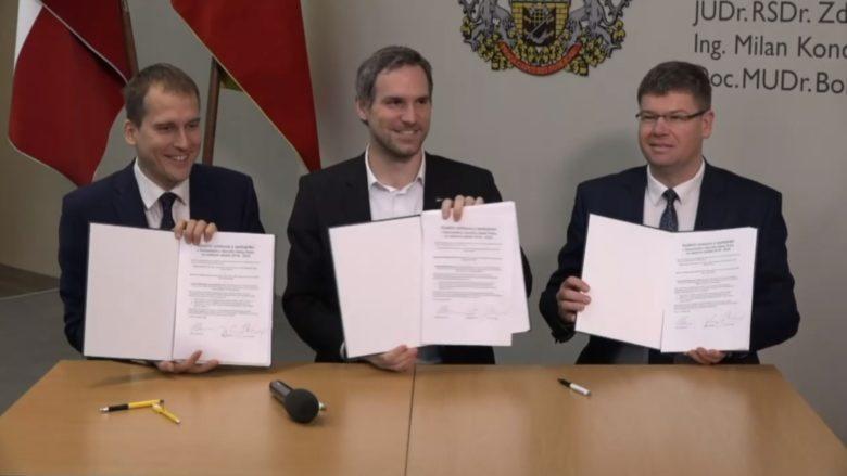 Představitelé koalice vládnoucí v čele s pirátským primátorem Hřibem v Praze; Foto: repro Seznam.cz