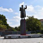 Starosta Prahy 6 za TOP09 vyjádřil POCHOPENÍ PRO VANDALY, kteří poškodili sochu Koněva