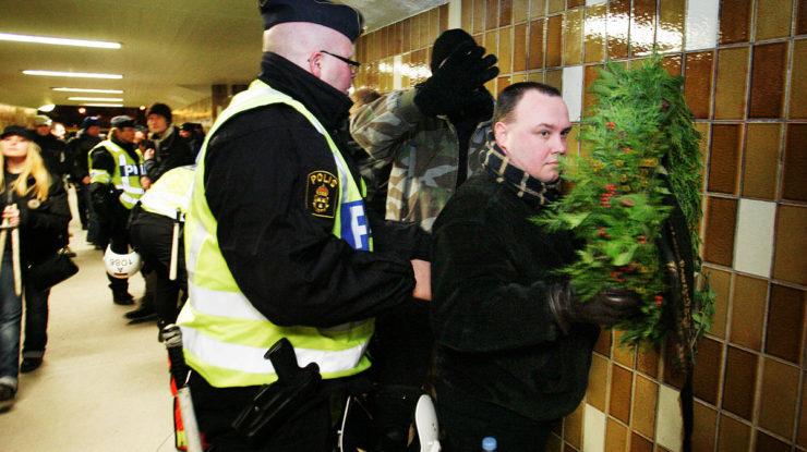 Švédská policie v akci; Foto: Magnus Fröderberg / Wikimedia Commons