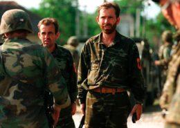 Členové teroristické tzv. Kosovské osvobozenecké armády (UÇK); Foto: US Marine Corps / Wikimedia Commons