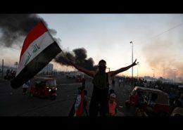 VIDEO: Při demonstracích v Iráku zemřelo již 100 lidí. Západ mlčí