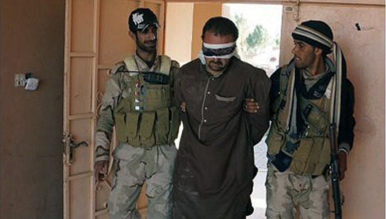 Zajatý bojovník Islámského státu; Foto: Ahmad Shamlo Fard / Wikimedia Commons