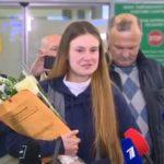 VIDEO: Ruská studentka Maria Butinová byla propuštěna z amerického vězení a vrací se domů