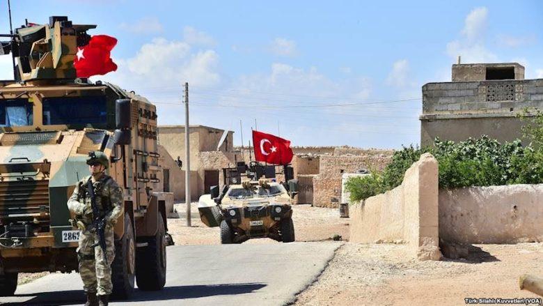 Turecká armáda; Foto: Türk Silahlı Kuvvetleri (VOA) / Wikimedia Commons