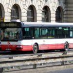 PIRÁTI V PRAZE: Dopravní podnik omezuje provoz autobusů