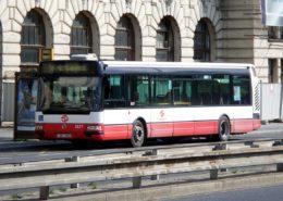 Autobus pražské hromadné dopravy; Foto: High Contrast / Wikimedia Commons