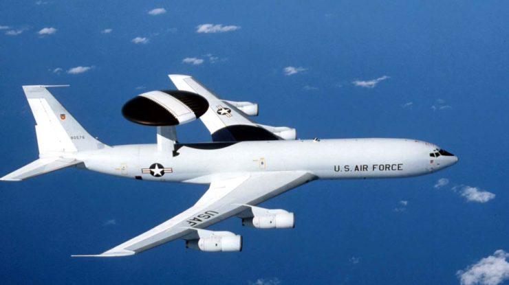 Americký špionážní letoun Boeing E-3 Sentry; Foto: Americké letectvo / Wikimedia Commons
