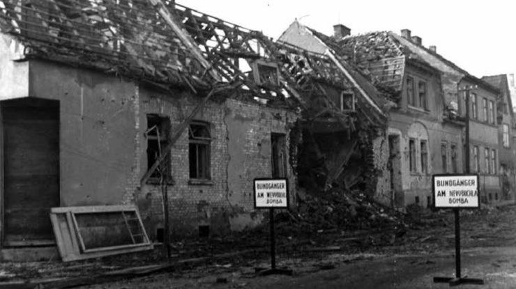 Následky bombardování Hodonína americkými letadly 20. 11. 1944; Foto: Archiv Petra Grubera