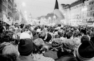 Praha 25. listopadu 1989; Foto: Gampe / Wikimedia Commons