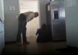 VIDEO: Zástupce šerifa v Arizoně tvrdě zakročil proti invalidovi bez rukou a nohou