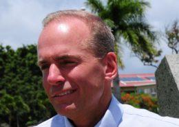 Dennis Muilenburg, bývalý šéf firmy Boeing; Foto: Havajská letecká národní garda / Wikimedia Commons