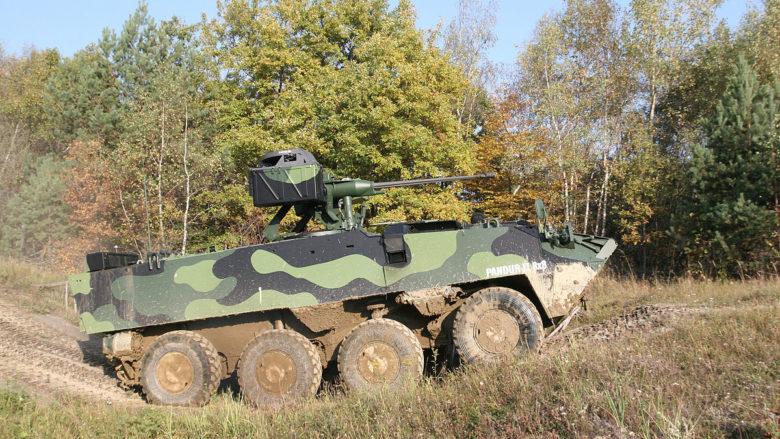 Obrněné vozidlo Pandur II během testování v české armádě; Foto: Ministerstvo obrany České republiky / Wikimedia Commons