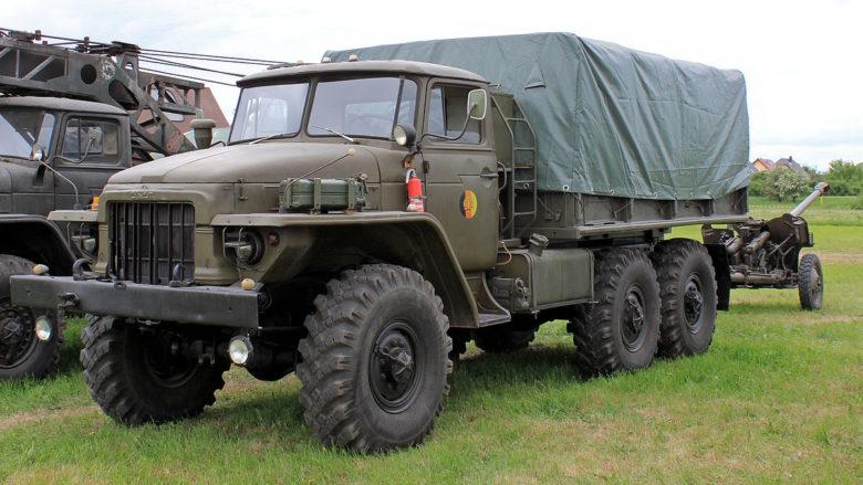 Ruský nákladní automobil Ural 375D; Foto: LutzBruno / Wikimedia Commons