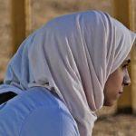 ISLÁM: Nejvyšší soud se zastal somálské dívky nosící ve škole hidžáb