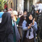 FRANCIE: Už 150 městských čtvrtí drží islamisté, hlásí zpravodajská služba