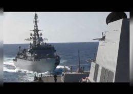 VIDEO: Americký torpédoborec způsobil málem kolizi s ruskou lodí