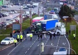 Stávkující kamiony zablokovaly dopravu; Foto: Slovenská policie